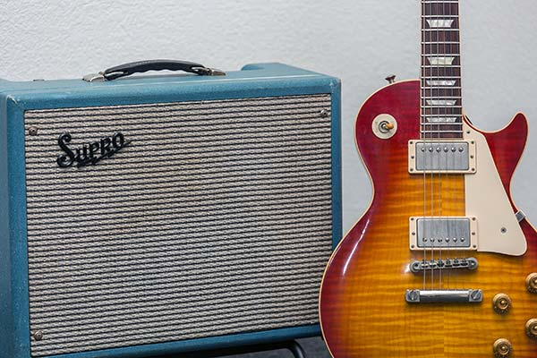 Supro Amp & Gibson 59 VOS Les Paul Guitar